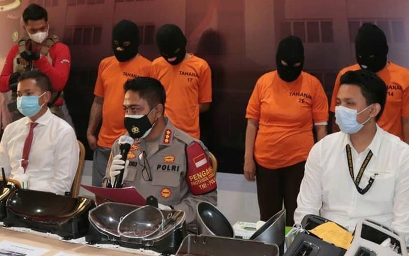 Polisi Ringkus Komplotan Pencuri dengan Modus Pecah Kaca, Sasarannya Mobil Mewah - JPNN.com