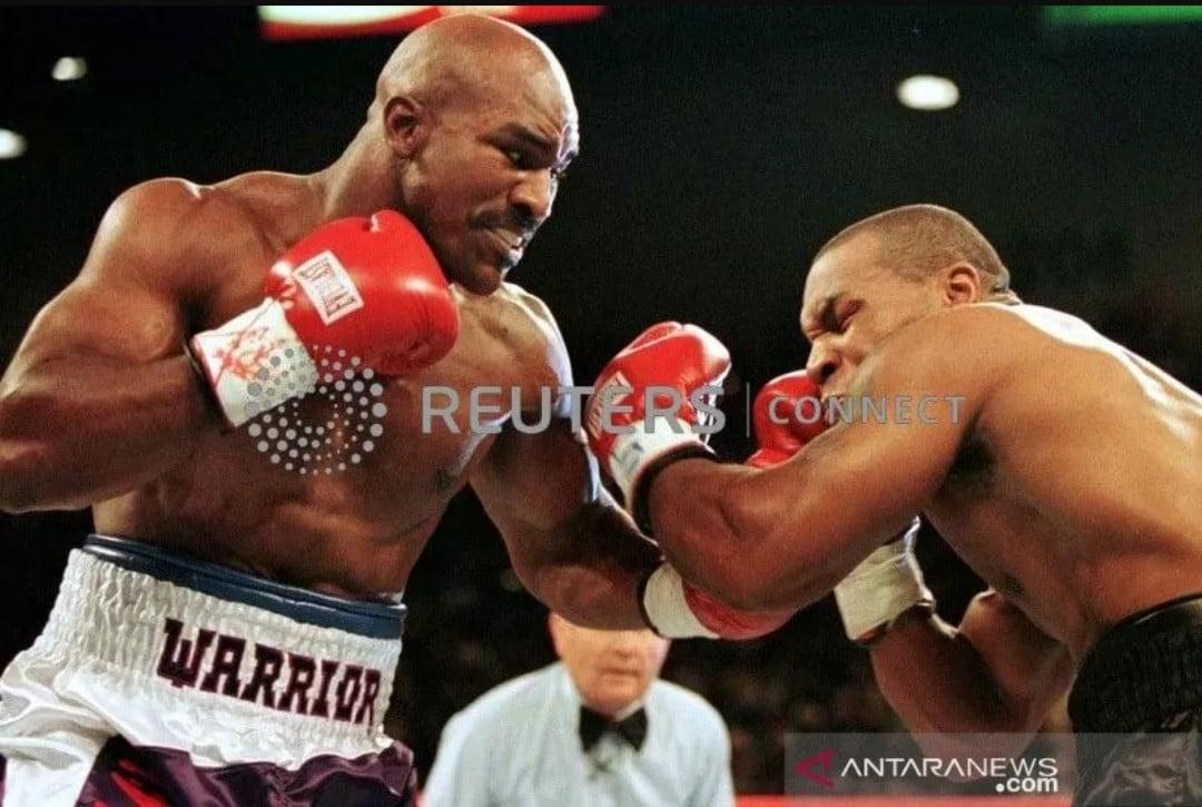 Mike Tyson Vs Holyfield