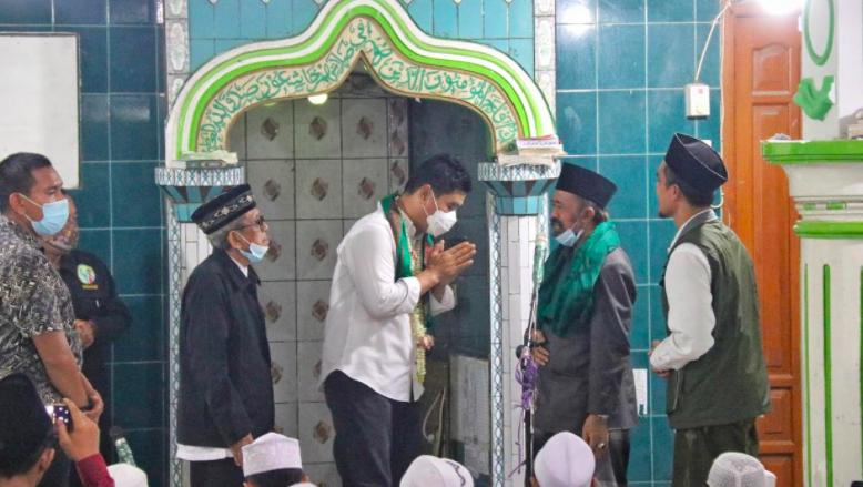 Dukungan Kalangan Alim Ulama untuk Machfud Arifin-Mujiaman Makin Menguat - JPNN.com