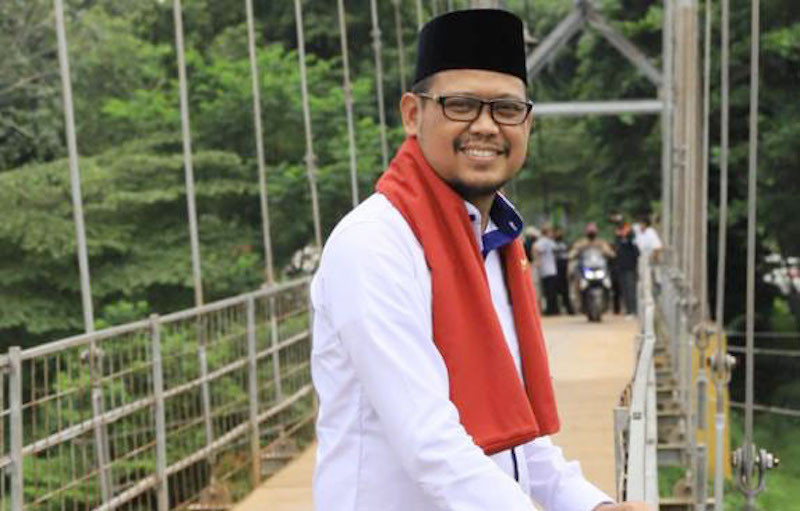 Tak Hanya Jago Berpolitik, Imam Budi Hartono Juga Piawai Menulis Lagu  - JPNN.com