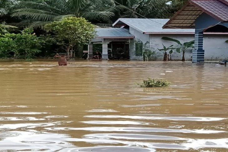 763 Rumah di Langkat Terendam Banjir - JPNN.com