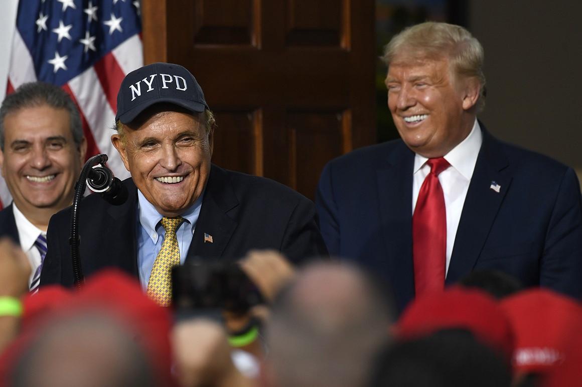 Satu per Satu Orang Dekat Donald Trump Kena COVID-19, Sekarang Giliran Pak Rudy - JPNN.com