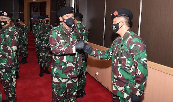 Sah, 26 Perwira Tinggi TNI AD Termasuk Letjen Herman Asaribab Resmi Naik Pangkat - JPNN.com