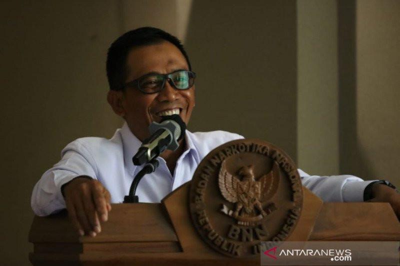 Brigjen Idris Kadir: BNN Menolak Wacana Melegalkan Ganja di Indonesia - JPNN.com