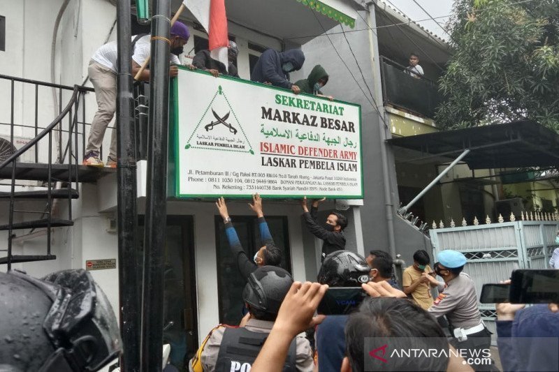 Pakar Hukum Sebut Pembubaran FPI Berkaitan dengan Kekalahan Ahok di Pilkada DKI - JPNN.com
