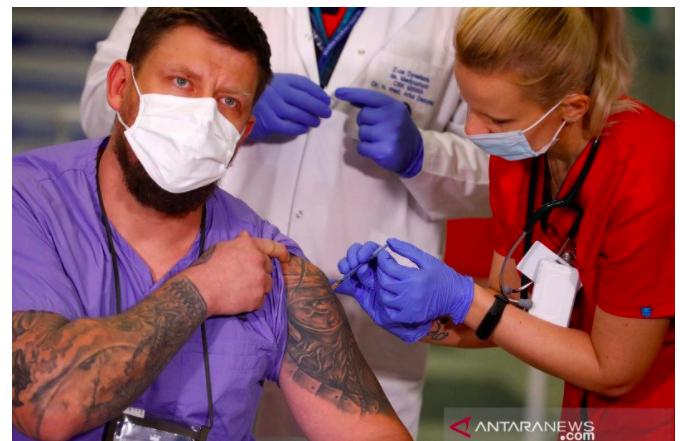 MUI: Vaksinasi Covid-19 Bentuk Ikhtiar Mencegah Penularan Wabah, Umat Islam Jangan Ragu - JPNN.com
