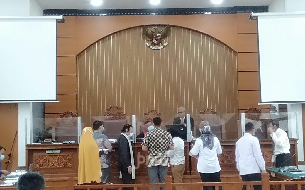 Sidang Praperadilan, Kubu Habib Rizieq Keluhkan Pengetatan PSBB - JPNN.com