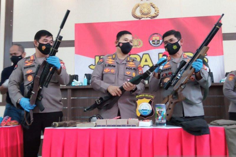 Dua Terduga Teroris Makassar yang Ditembak Mati sudah Rencanakan Bom Bunuh Diri - JPNN.com