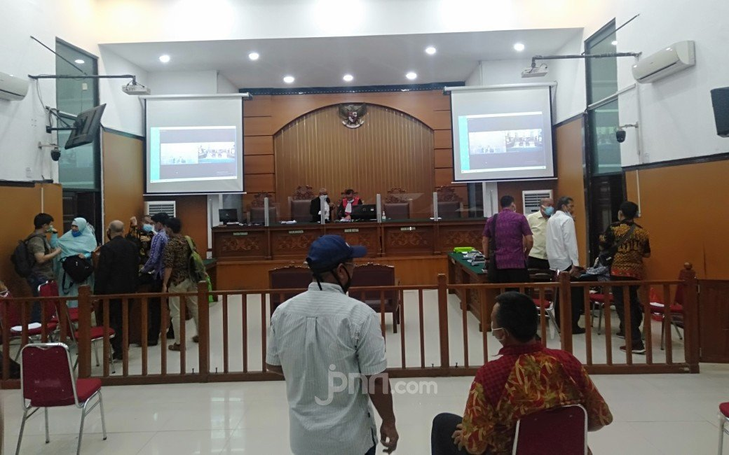 Nasib Rizieq Shihab Ditentukan Hakim Besok, Kuasa Hukum Bilang Begini - JPNN.com