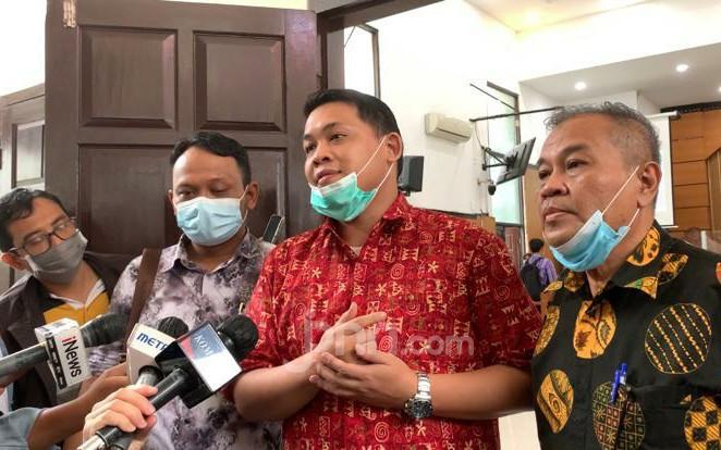 Kejagung Pilih PN Jaktim Sebagai Lokasi Persidangan Habib Rizieq, Kamil Pasha Beri Respons Begini - JPNN.com