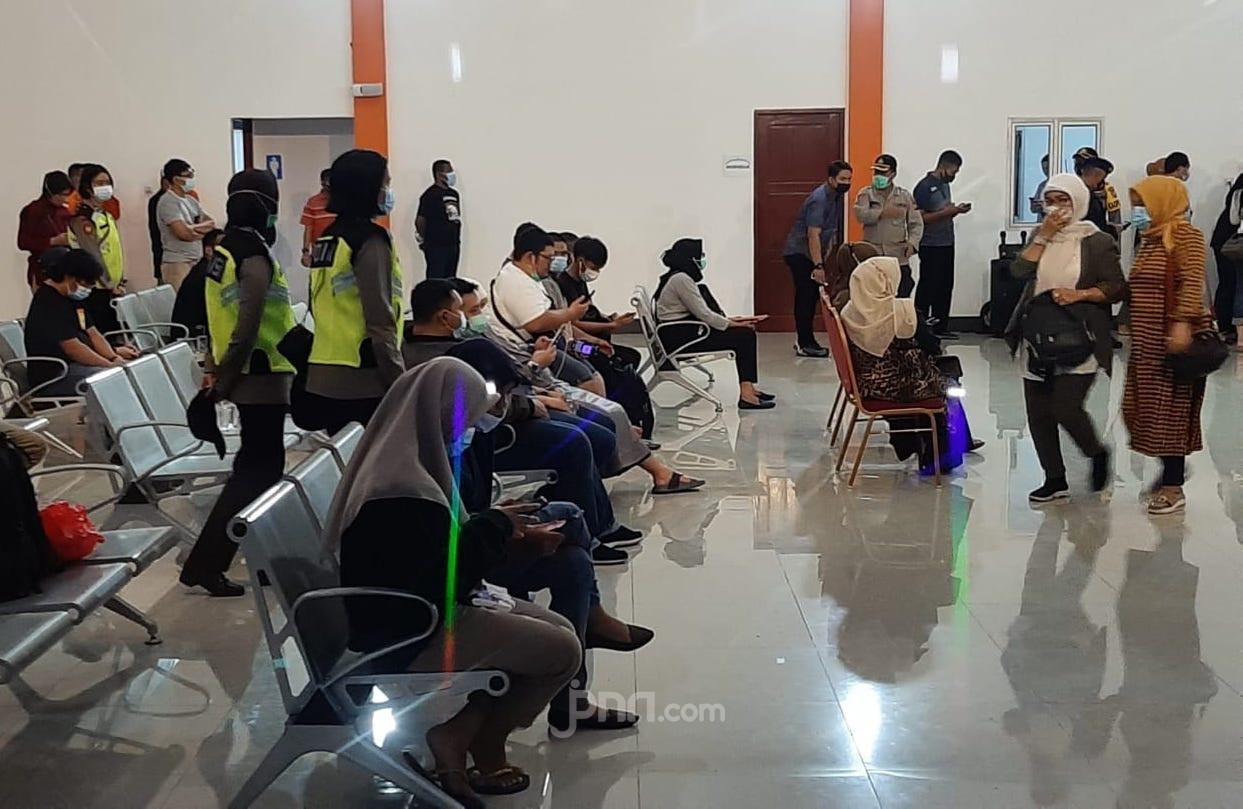 Sambangi Keluarga Penumpang SJ 182, Sutarmidji: Hampir Semua Warga Kalbar - JPNN.com