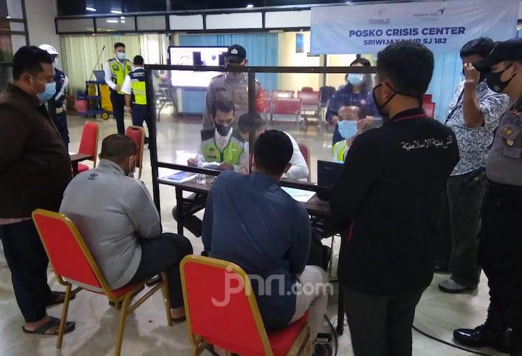Jasa Raharja Serahkan Santunan kepada 17 Ahli Waris Korban Sriwijaya Air SJ182 - JPNN.com