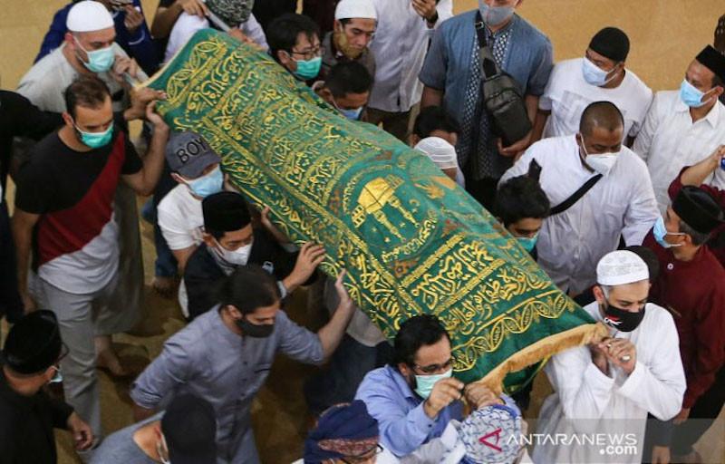 Yusuf Mansur Ungkap Alasan Syekh Ali Jaber Dimakamkan di Daarul Quran - JPNN.com