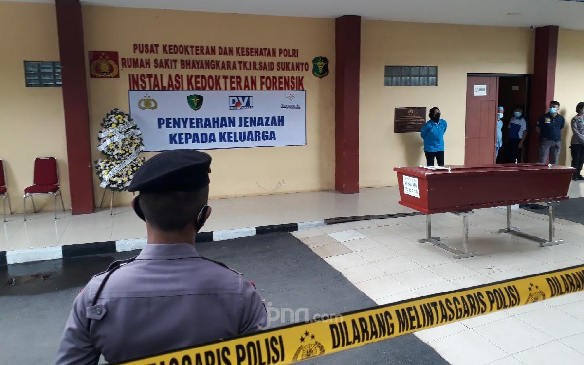 Tragedi Sriwijaya Air: Heningnya Suasana Penyerahan Jenazah Habul Yamin - JPNN.com