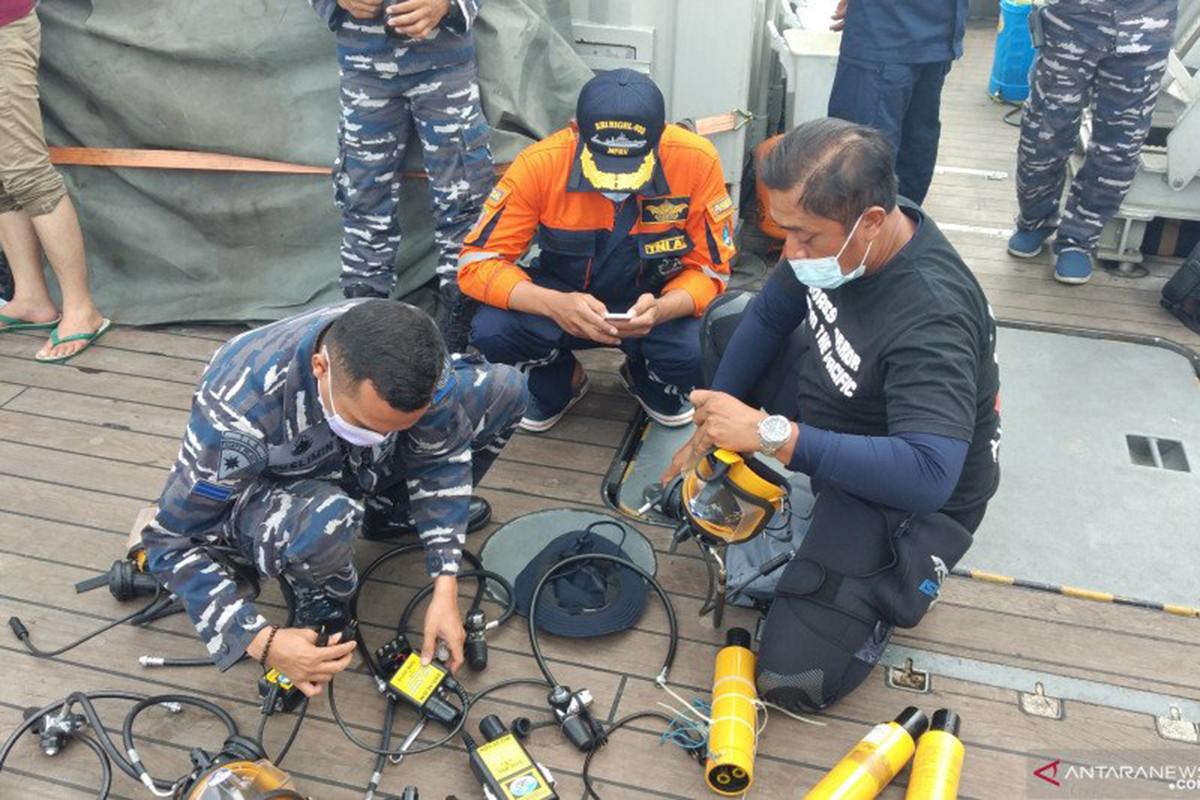 Operasi SAR Sriwijaya Air: Yontaifib, Kopaska Sampai Denjaka Sama-Sama Butuh Alat Ini - JPNN.com
