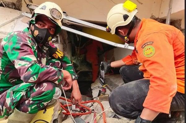 Catatan Terbaru Pusdalops BNPB: Sebegini Jumlah Orang Meninggal Dunia Akibat Gempa di Sulbar - JPNN.com