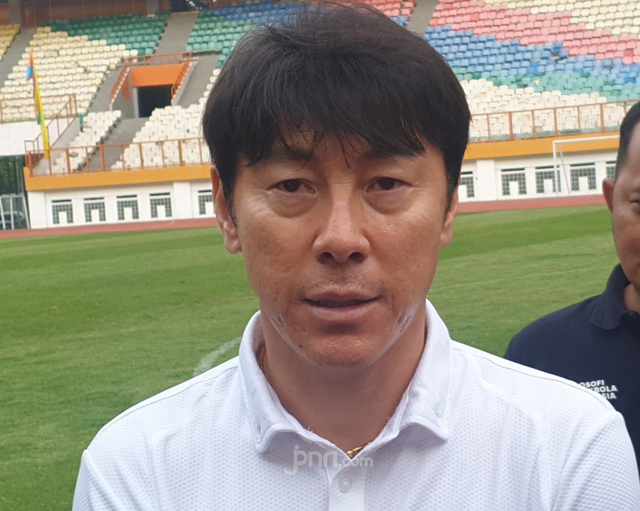 Begini Reaksi Shin Tae Yong dan Bima Sakti Setelah AFC Batalkan Piala Asia U-19 dan U-16 - JPNN.com