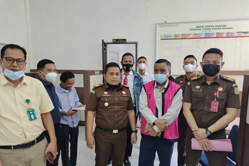 Nasrun Dijemput Paksa oleh Jaksa, Langsung Ditahan - JPNN.com