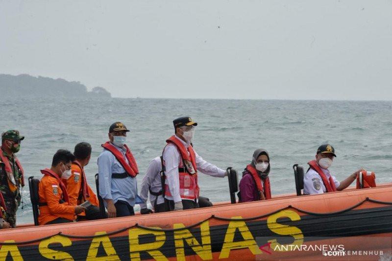 Bawa Pesan Presiden, Menhub Sambangi Tim Gabungan di Garis Depan Pencarian Sriwijaya Air - JPNN.com