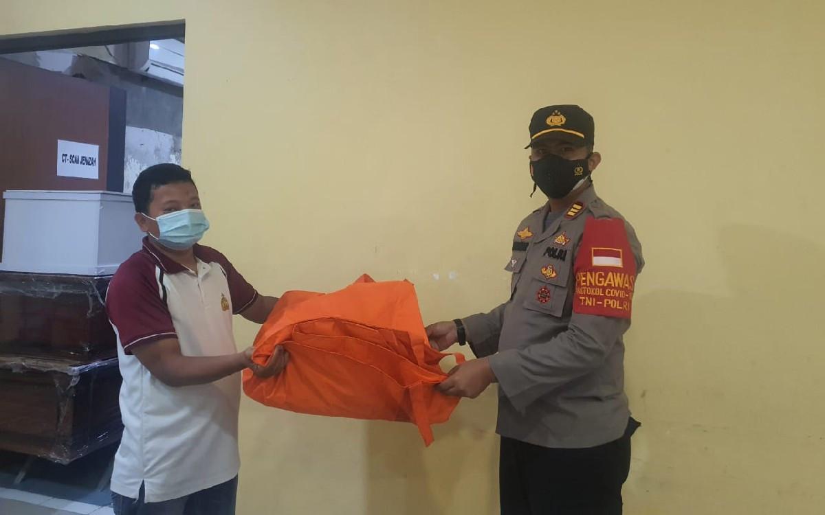 Nelayan Temukan Potongan Kaki Manusia di Pantai Muara Gembong, Korban Sriwijaya Air? - JPNN.com