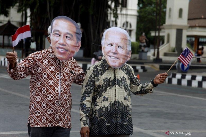 Jokowi Sampaikan Ucapan Selamat Atas Pelantikan Joe Biden-Kamala Harris - JPNN.com