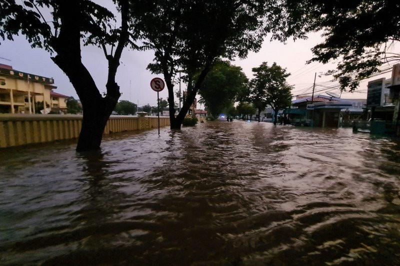Banjir Manado, Tiga Warga Tewas, Satu Hilang  - JPNN.com