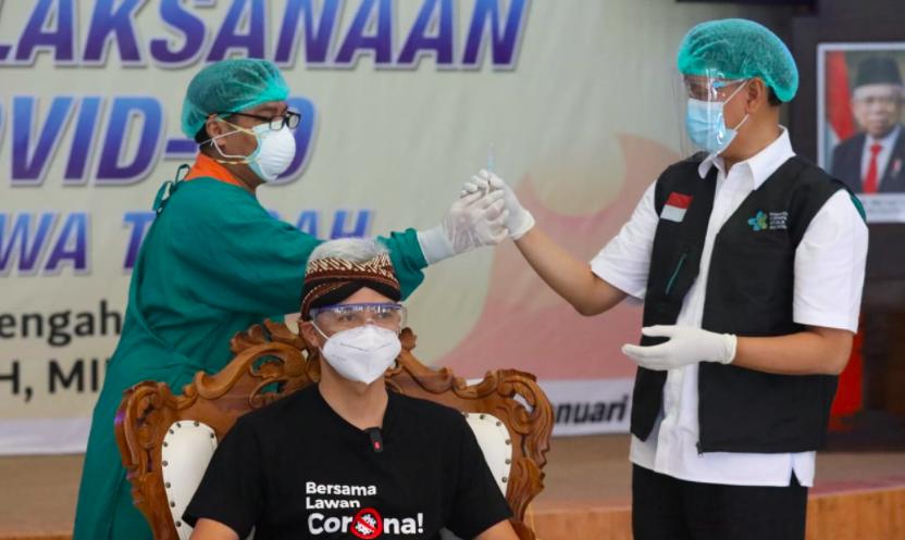 Siap Vaksinasi Covid-19 Tahap Dua, Ganjar: Enggak Ada Keluhan, Semua Baik-Baik Saja - JPNN.com