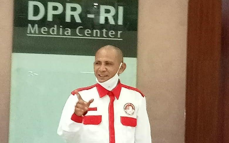 Honorer K2 Tuntut Disamakan Status PNS dengan Bidan PTT dan Pegawai KPK - JPNN.com