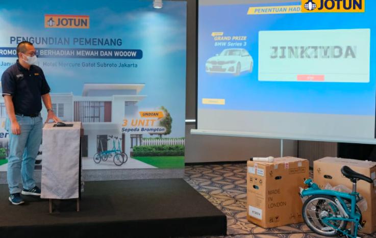 Jotun Bagi Mobil Mewah dan Sepeda Mahal untuk Pelanggan Pemenang Undian - JPNN.com