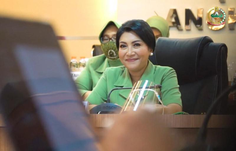 Hetty Andika Dukung Kegiatan Edukasi Vaksinasi Covid-19 - JPNN.com