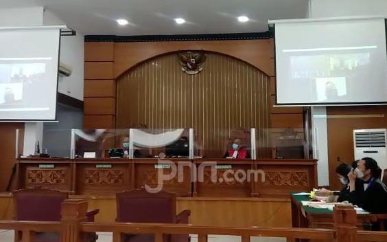 Pengacara Jumhur KAMI Persoalkan Perubahan Dakwaan JPU - JPNN.com