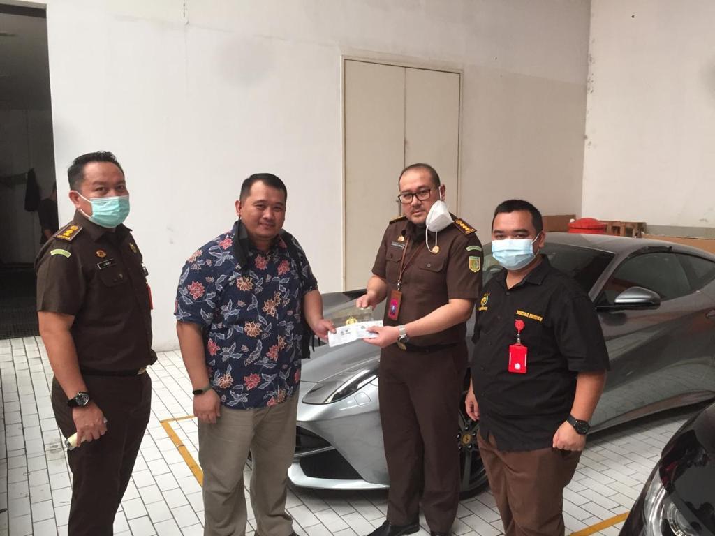 Taring Kejagung Rampas Harta Tersangka Korupsi ASABRI: Mobil Mewah sampai Ratusan Hektare Tanah - JPNN.com
