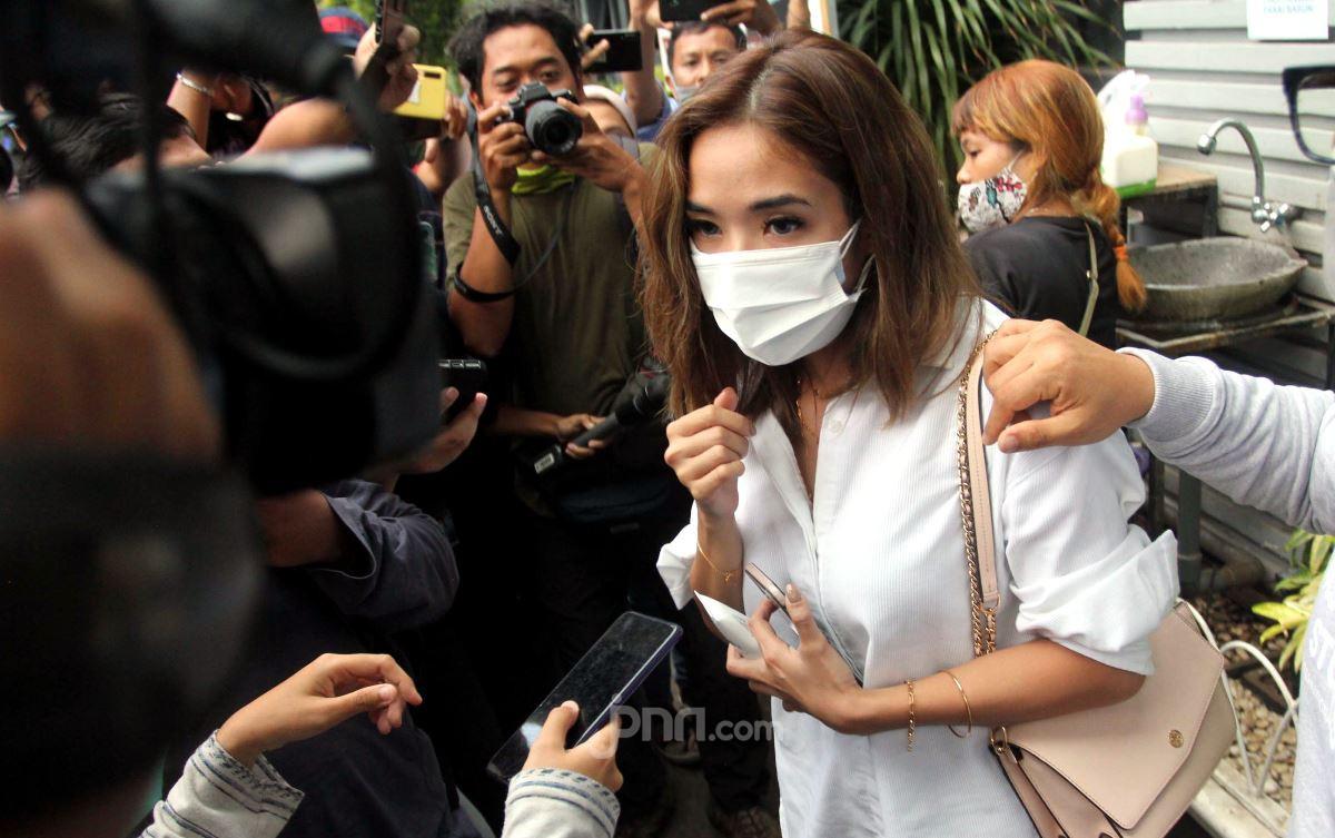 Gisel Penasaran Sosok Penyebar Pertama Video Syurnya - JPNN.com