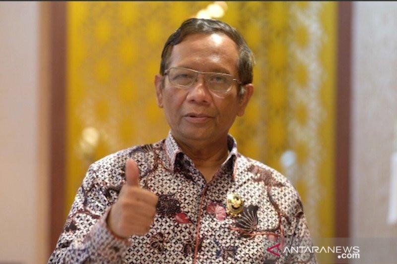 Dapat Tugas dari Presiden Jokowi, Mahfud MD Bentuk Dua Tim Revisi UU ITE - JPNN.com