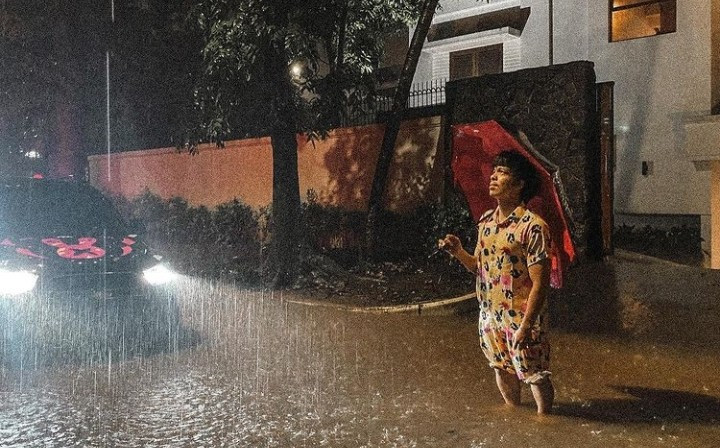 Rumah Atta Halilintar untuk Pertama Kalinya Dilanda Banjir - JPNN.com