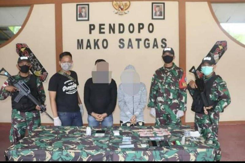 Tak Bisa Mengelak, IMR Langsung Dikawal Prajurit TNI Bersenjata, Lihat Tuh - JPNN.com