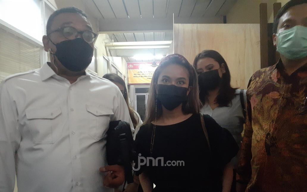 Tersangka Penyebar Video Syur Mirip Gabriella Larasati Meraup Untung Hingga Rp75 Juta - JPNN.com