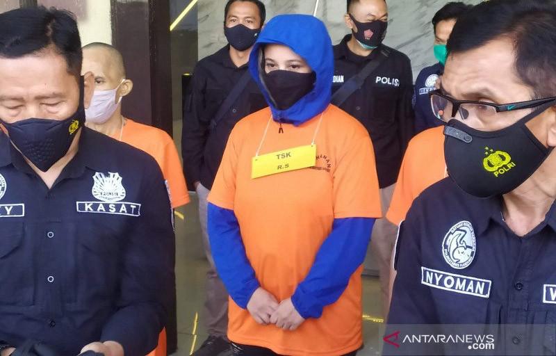 Terseret Kasus Narkoba, Rinada Minta Maaf kepada Mantan Suami - JPNN.com