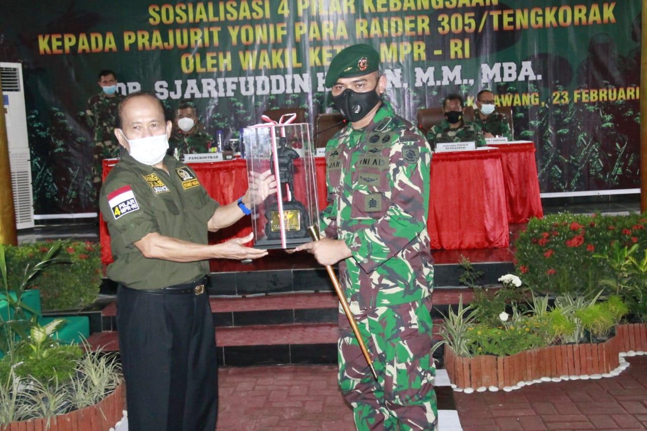 Di Hadapan Kostrad, Syarief Hasan Puji Peran TNI Atasi Pandemi Sekaligus Tumpas KKB - JPNN.com