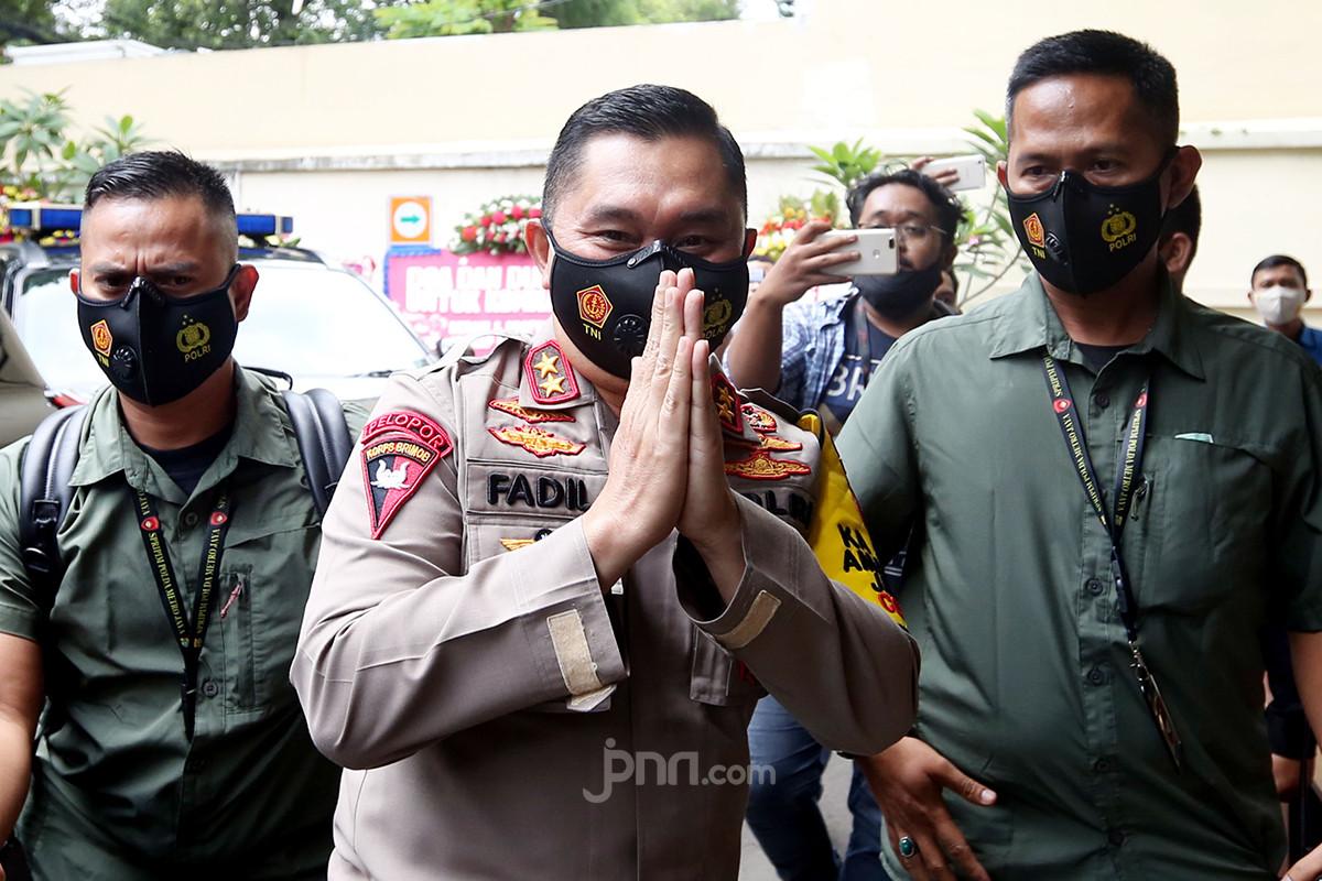 Kapolda Metro Jaya Irjen Fadil Tinjau Vaksinasi Dosis Kedua di Jakarta Barat - JPNN.com