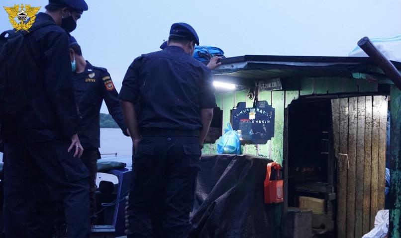 Bea Cukai Palangkaraya Gelar Patroli Sungai Awasi Peredaran Barang Ilegal - JPNN.com
