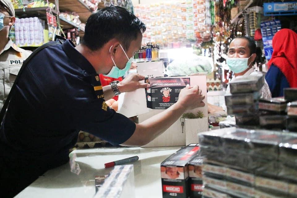 Tekan Peredaran Rokok Ilegal, Bea Cukai Gelar Operasi Pasar - JPNN.com