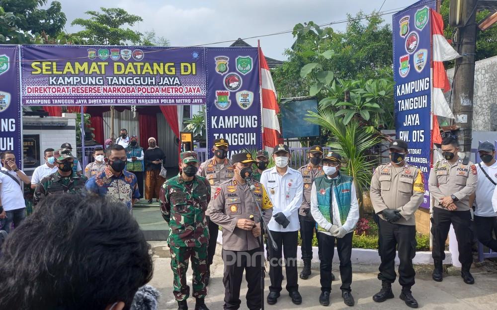 Irjen Fadil Klaim Kampung Tangguh Jaya Berhasil Tekan Kasus Covid-19, Nih Buktinya - JPNN.com