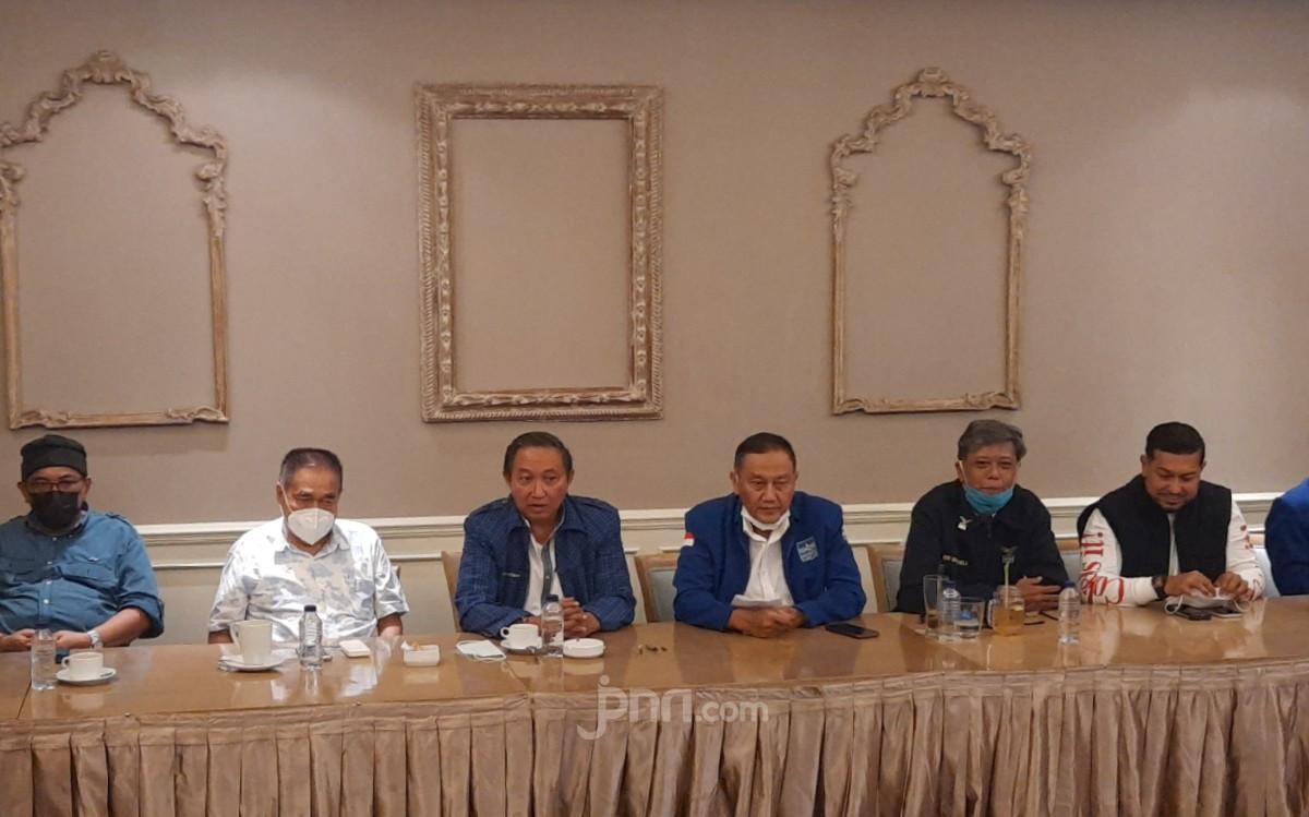 Makin Panas, Hencky Luntungan: SBY Bukan Pendiri Partai Demokrat - JPNN.com