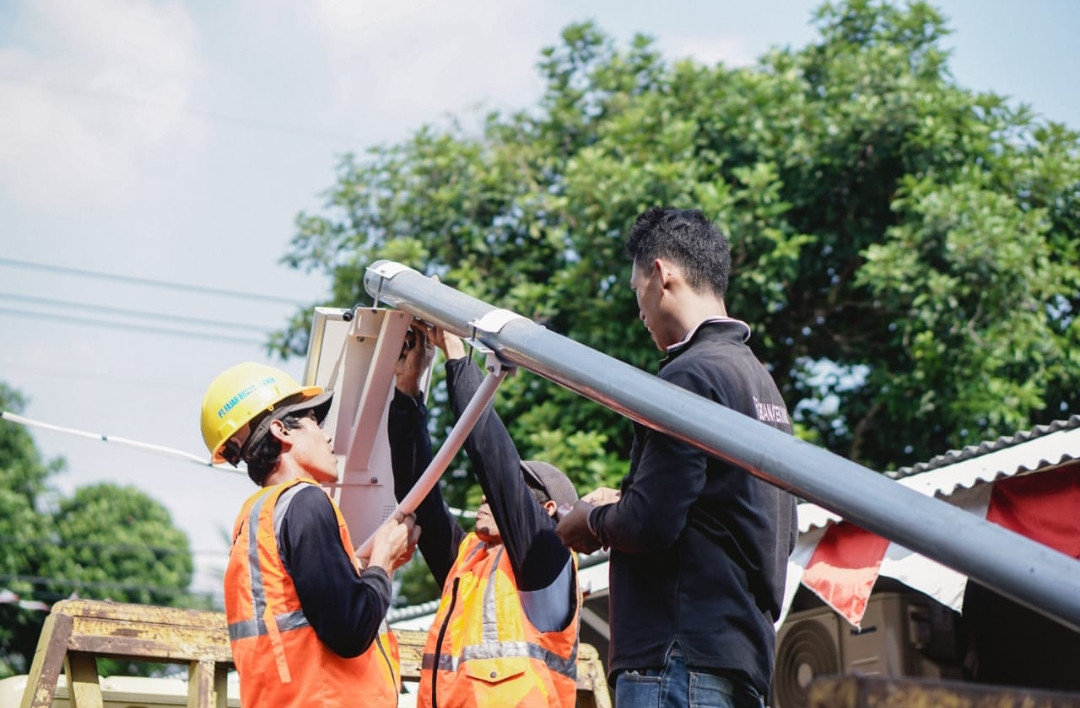200 Ribu Lampu PJUTS Segera Menerangi Ratusan Kabupaten di Tanah Air - JPNN.com