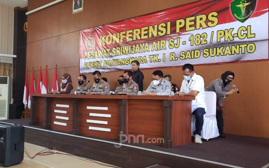 Tim DVI Polri Identifikasi Satu Korban Sriwijaya Air SJ 182, Namanya... - JPNN.com