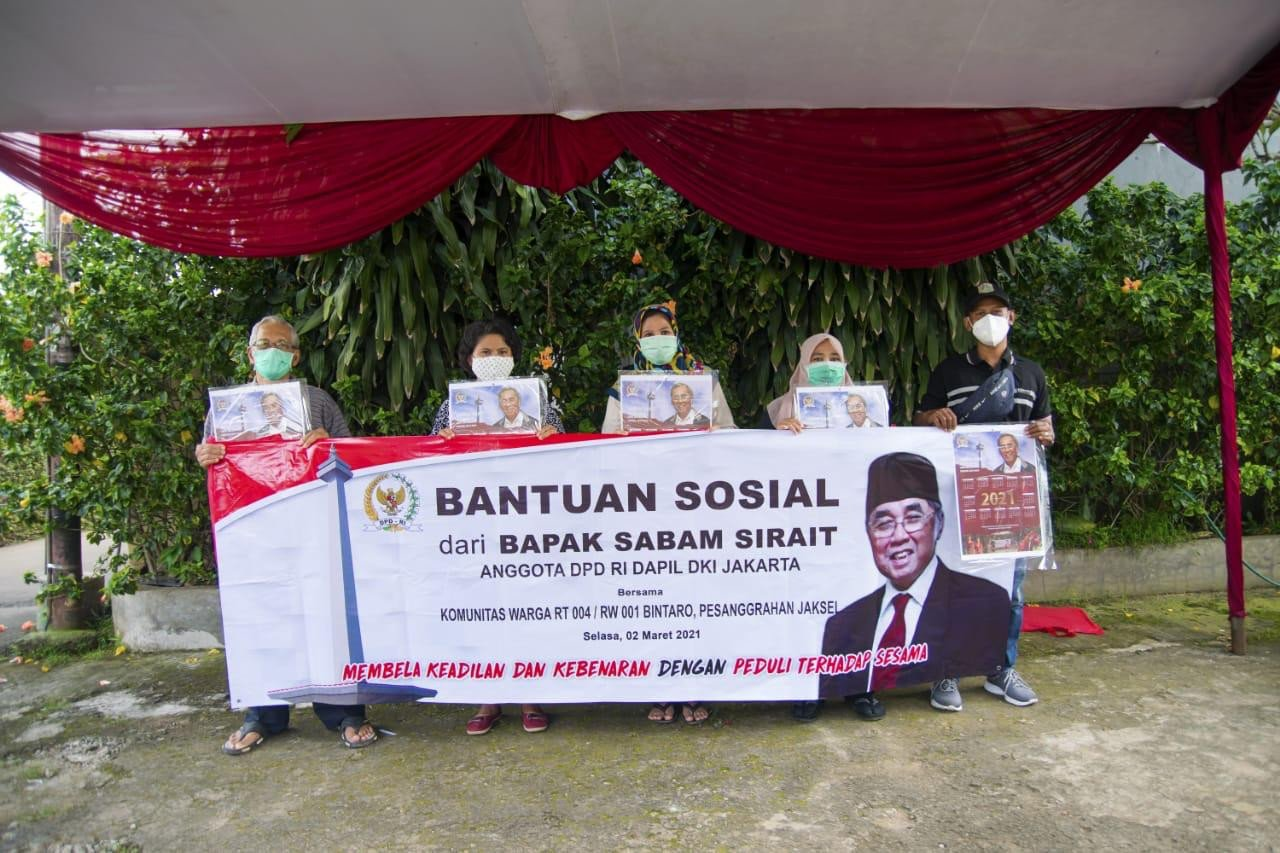 Warga Jakarta Sebut Sabam Sirait Contoh Politisi yang Dekat dengan Rakyat - JPNN.com