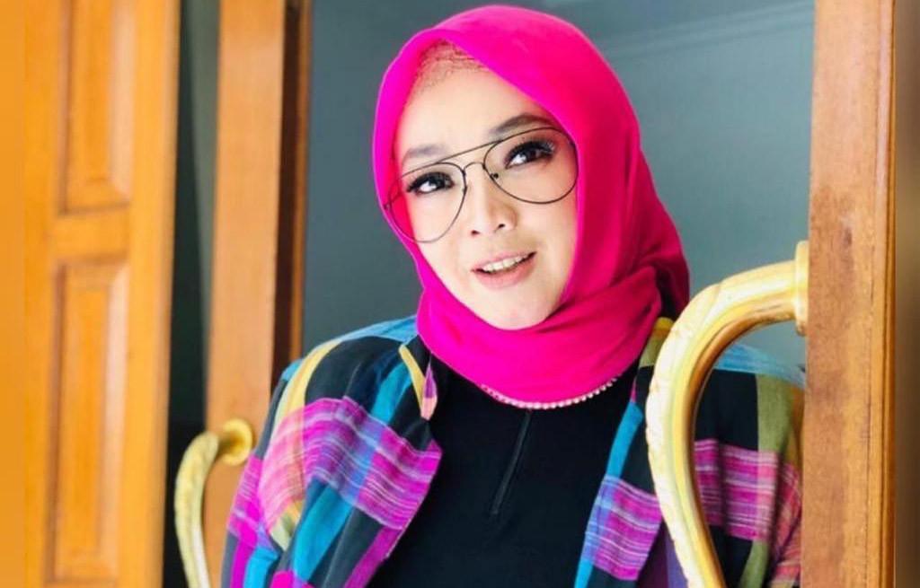 Perjalanan Karier Rina Gunawan Sebelum Meninggal D