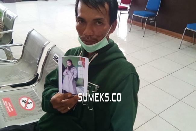 Istri Pergi Tanpa Pesan, Anton Berurai Air Mata Lapor Polisi - JPNN.com