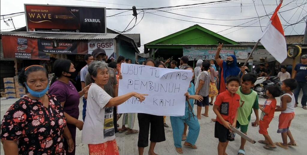 Keluarga Korban Pembunuhan Berunjuk Rasa Tuntut Aipda RS Dihukum Mati - JPNN.com